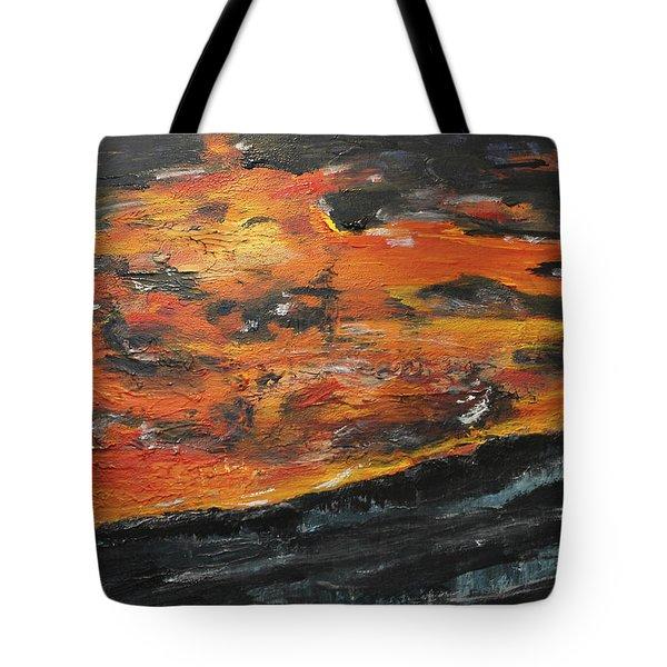 Closure Tote Bag by Lucy Matta - Lulu