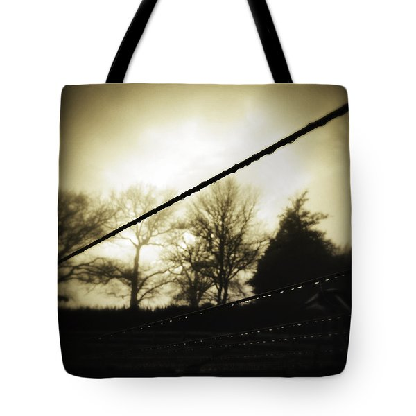 Clotheslines  Tote Bag by Les Cunliffe