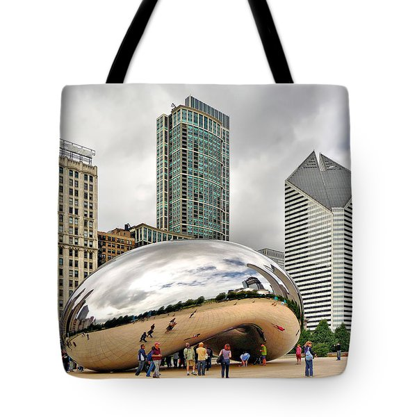 Cloud Gate In Chicago Tote Bag