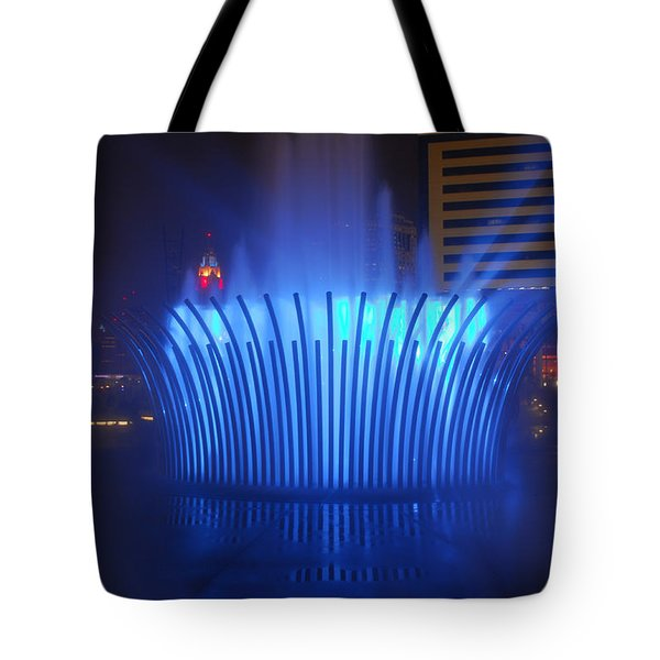 D101l-122 Scioto Mile Fountain Photo Tote Bag