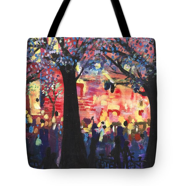 Concert On The Mall Tote Bag by Leela Payne