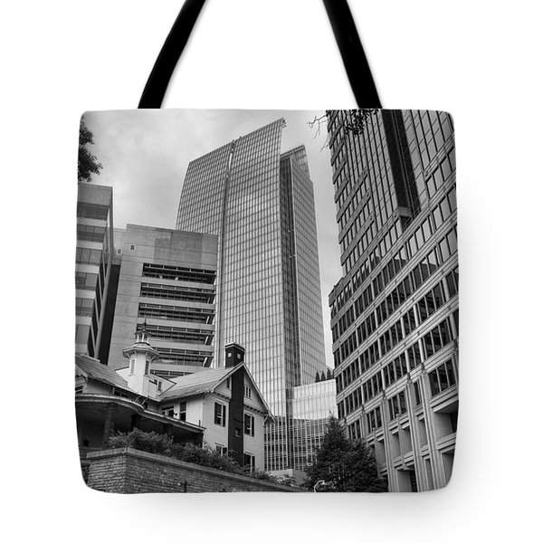 Contrasting Southern Architecture Tote Bag
