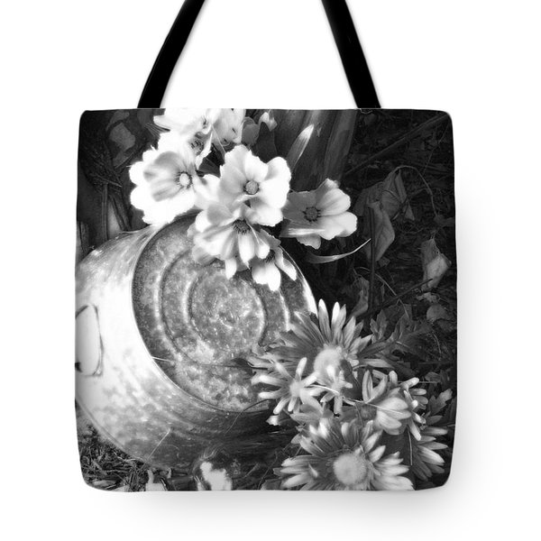 Country Summer - Bw 03 Tote Bag