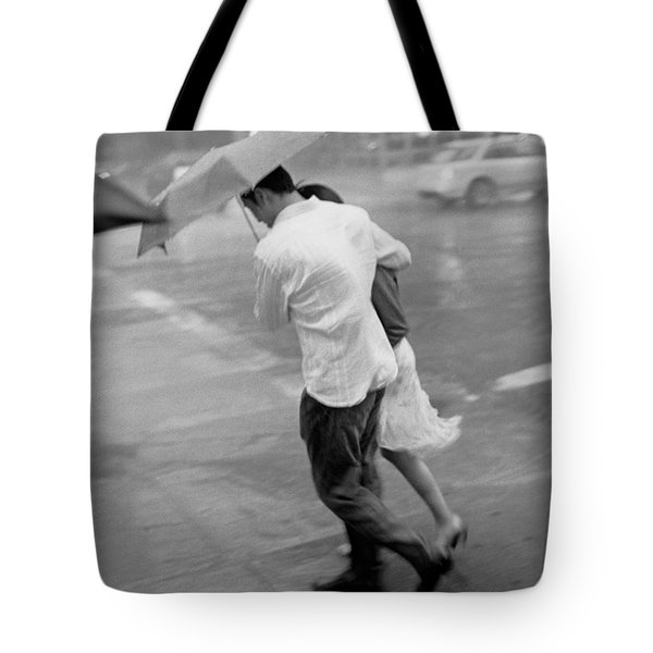 Couple In The Rain Tote Bag