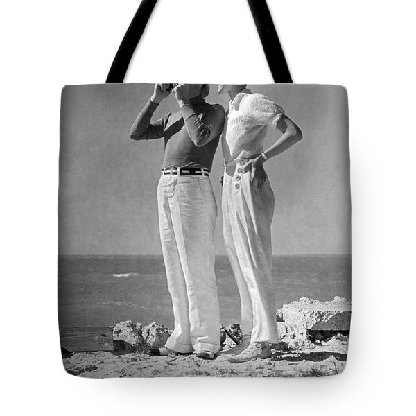 Couple On The Maine Shore Tote Bag by Underwood Archives