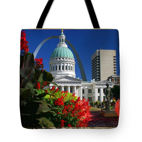 Courthouse Arch Skyline Fountain Tote Bag