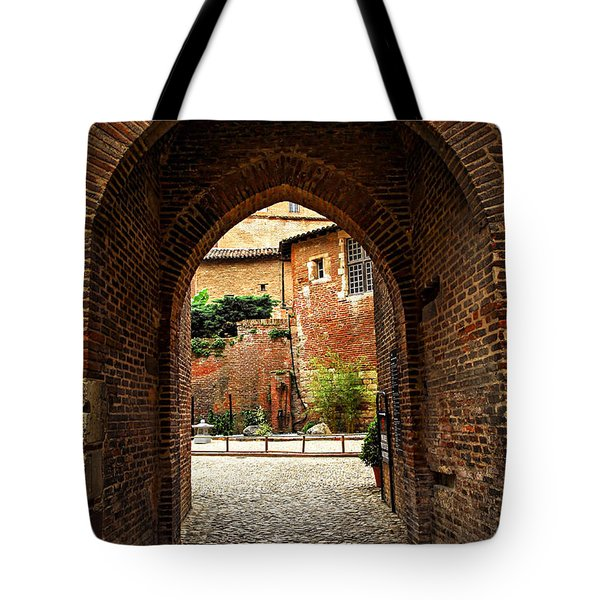 Courtyard Of Cathedral Of Ste-cecile In Albi France Tote Bag by Elena Elisseeva