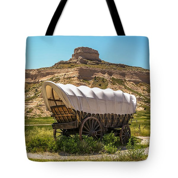 Tote Bag featuring the photograph Covered Wagon At Scotts Bluff National Monument by Sue Smith