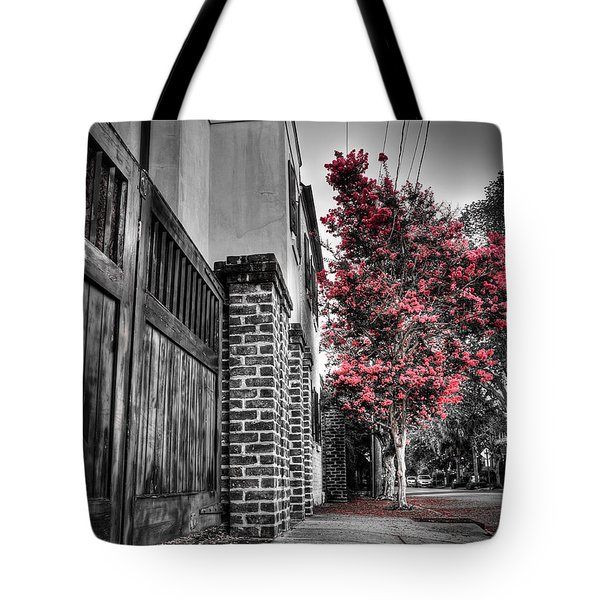 Crape Myrtles In Historic Downtown Charleston 2 Tote Bag