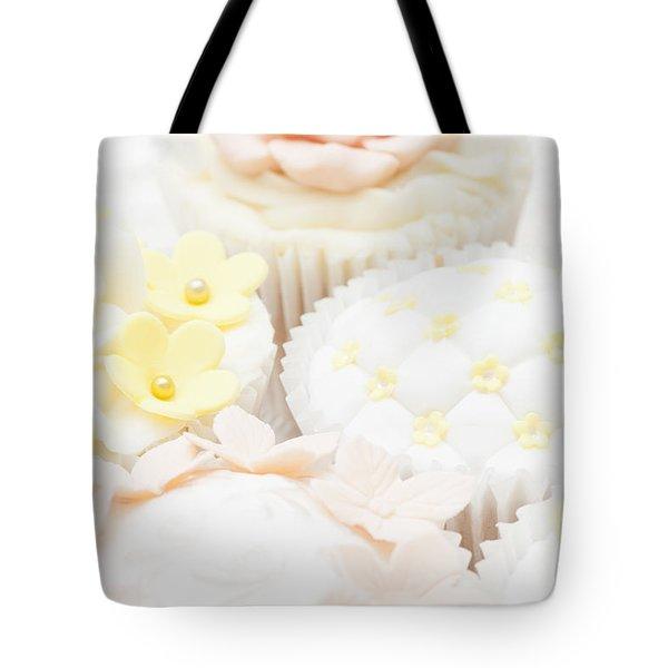 Criss-cross Cupcake Tote Bag