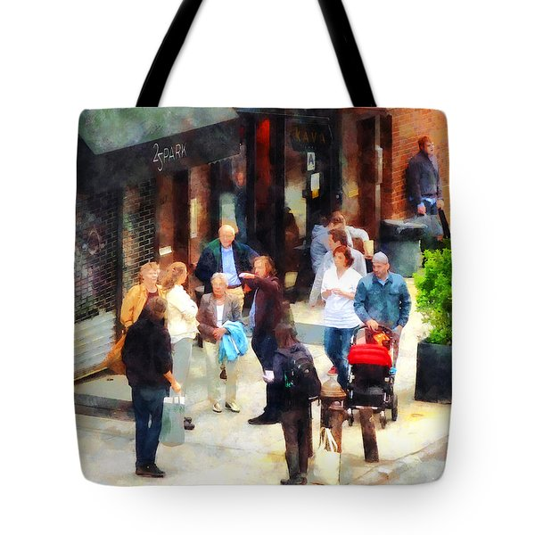 Crowded Sidewalk In New York Tote Bag by Susan Savad