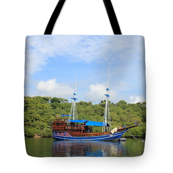 Tote Bag featuring the photograph Cruising Yacht by Sergey Lukashin