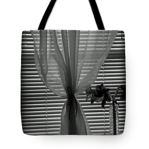 Curtin With Lillies Tote Bag
