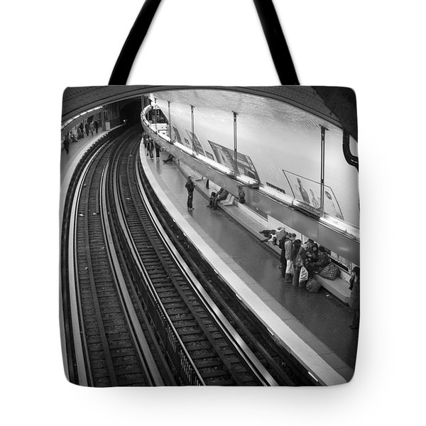 Curve Tote Bag by Sebastian Musial