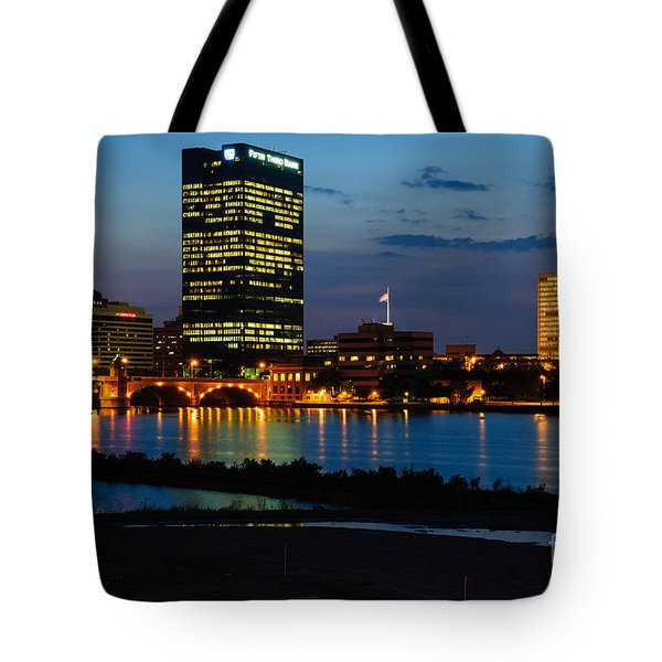 D12u152 Toledo Ohio Skyline Photo Tote Bag