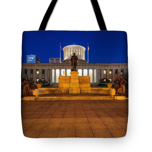 D13l112 Ohio Statehouse Photo Tote Bag
