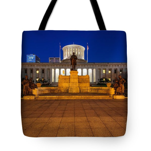 D13l112 Ohio Statehouse Photo Tote Bag