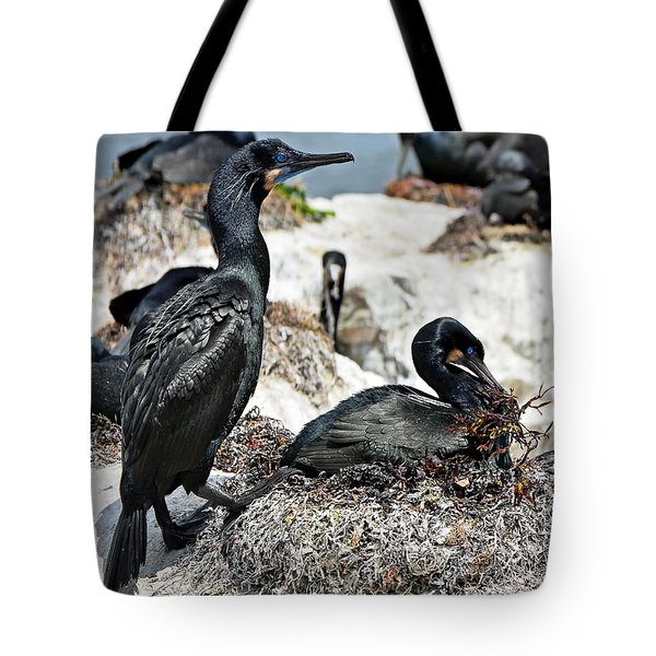 Tote Bag featuring the photograph Dad And Mom Building The Best Nest by Susan Wiedmann