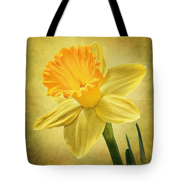 Tote Bag featuring the photograph Daffodil by Ann Lauwers