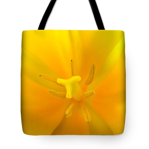 Daffodil Center Tote Bag