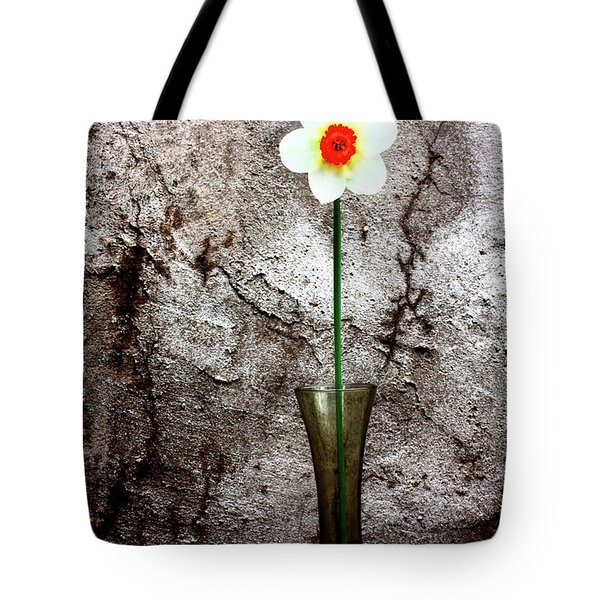 Tote Bag featuring the photograph Daffodil by Gray  Artus