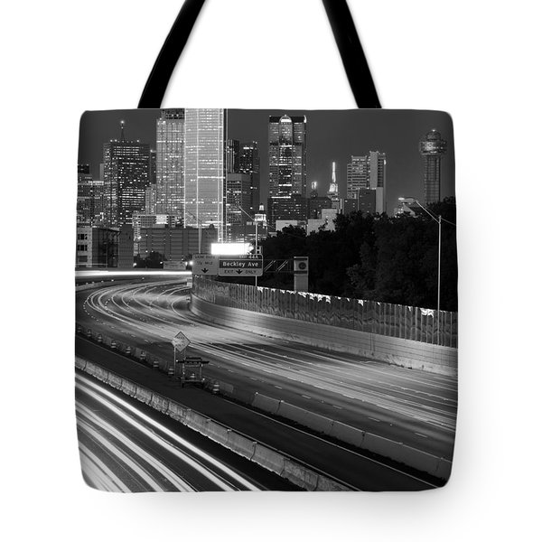 Dallas Arrival Bw Tote Bag