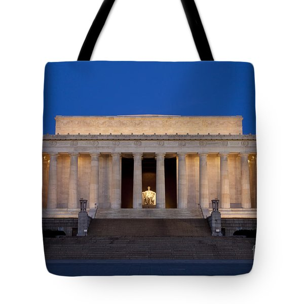 Dawn At Lincoln Memorial Tote Bag