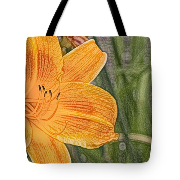 Tote Bag featuring the photograph Day Lilly - Hemerocalle by Nature and Wildlife Photography