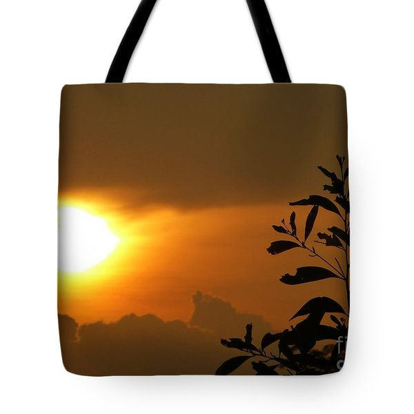 Day's Done My Sun Tote Bag