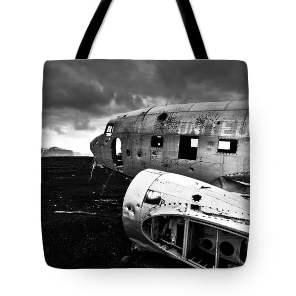 Tote Bag featuring the photograph Dc-3 Iceland by Gunnar Orn Arnason