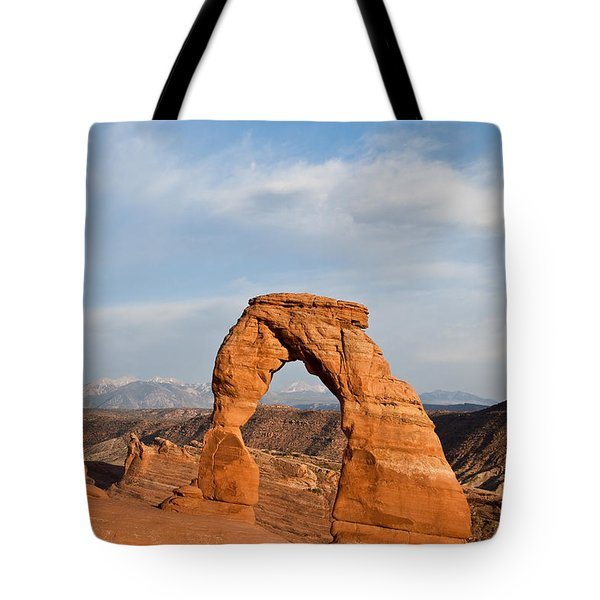 Tote Bag featuring the photograph Delicate Arch At Sunset by Jeff Goulden