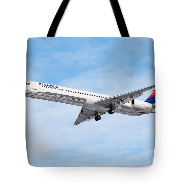 Delta Air Lines Mcdonnell Douglas Md-88 Airplane Landing Tote Bag by Paul Velgos