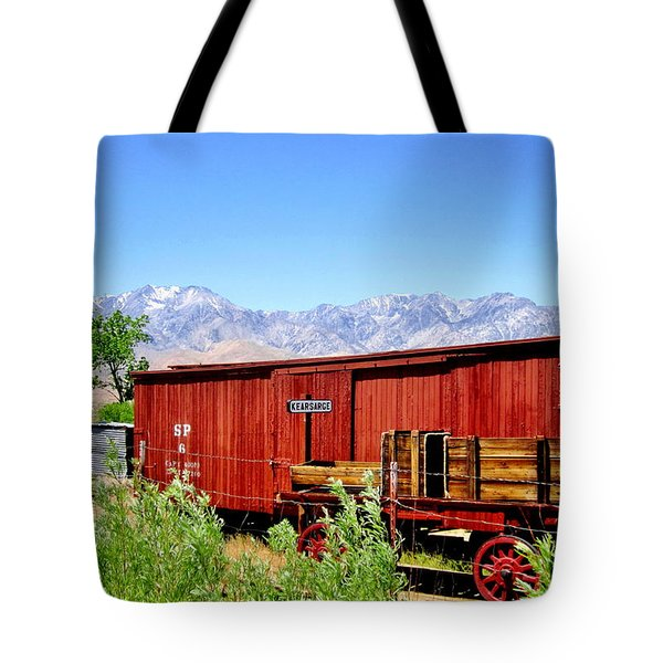 Tote Bag featuring the photograph Derailed by Marilyn Diaz