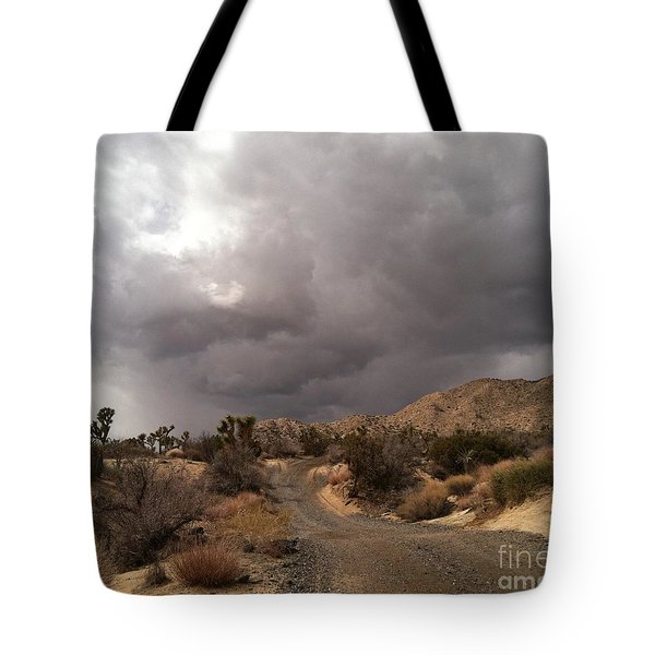 Desert Storm Come'n Tote Bag