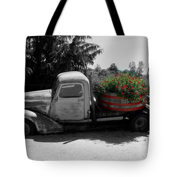 Dilapidated Beauty Bw Tote Bag