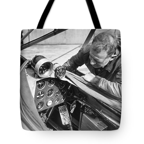 Doolitle' Blind Plane Tote Bag by Underwood Archives