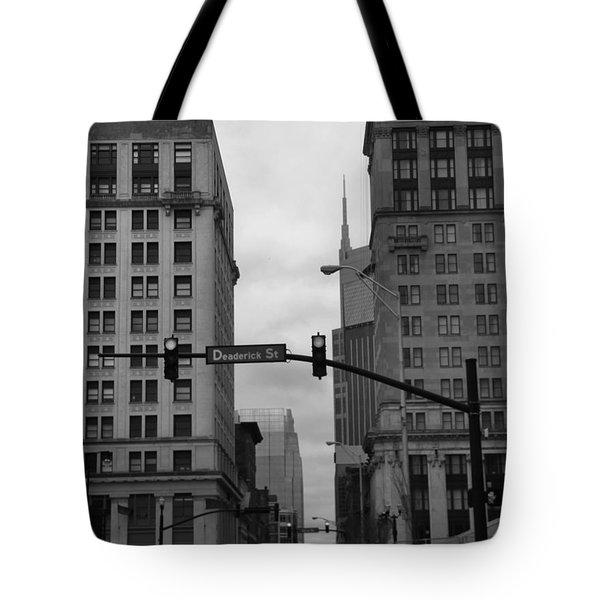 Downtown Nashville In Black And White Tote Bag by Dan Sproul