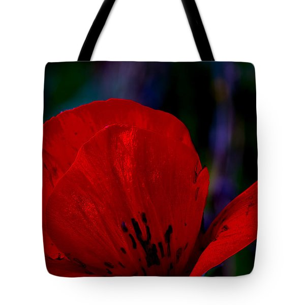 Dramatic Poppie Tote Bag