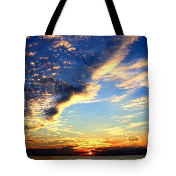 Tote Bag featuring the photograph Dreamy by Faith Williams
