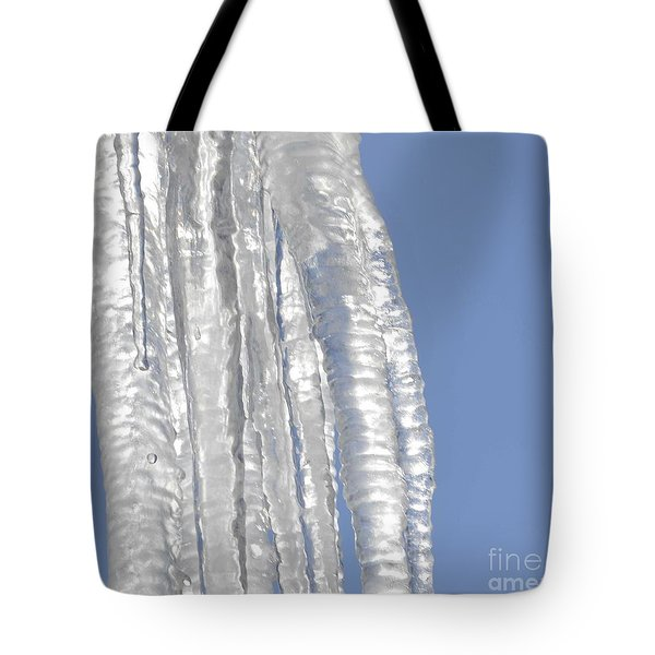 Tote Bag featuring the photograph Drip Caught In Action by Luther Fine Art