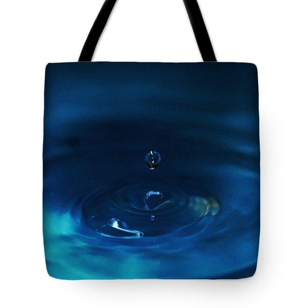 Drop Of Water -  Abstract Art Tote Bag by Ramabhadran Thirupattur