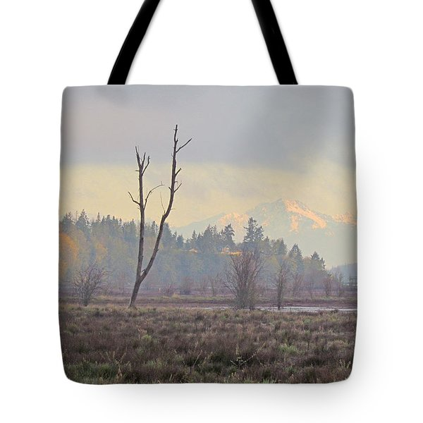 Tote Bag featuring the photograph Due North  by I'ina Van Lawick