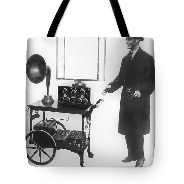 Duke & Duchess Portable Radio Tote Bag