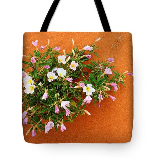 Dune Evening Primrose Flowers In Sand Tote Bag