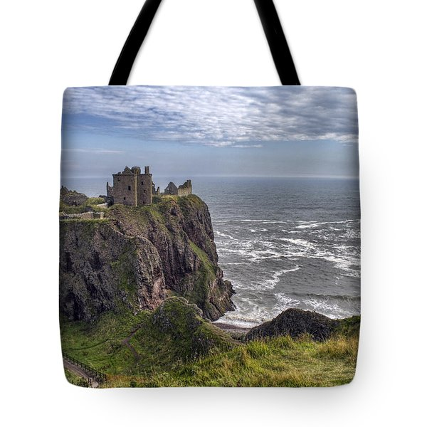Dunnottar Castle And The Scotland Coast Tote Bag
