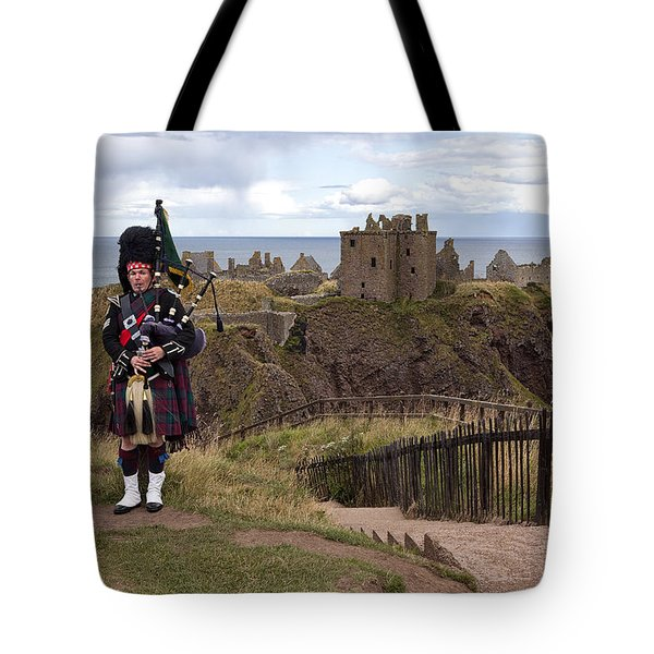 Dunnottar Piper Tote Bag