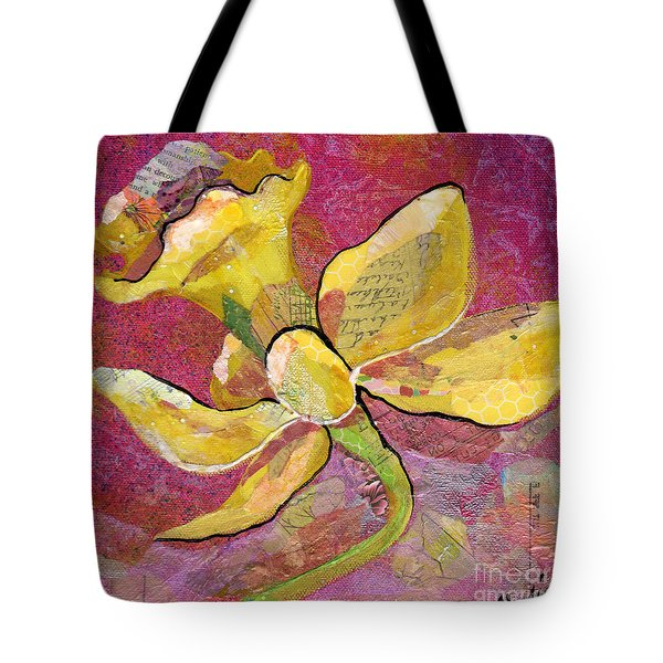 Early Spring Iv Daffodil Series Tote Bag