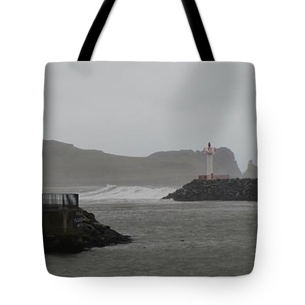 Easterly Swell Tote Bag