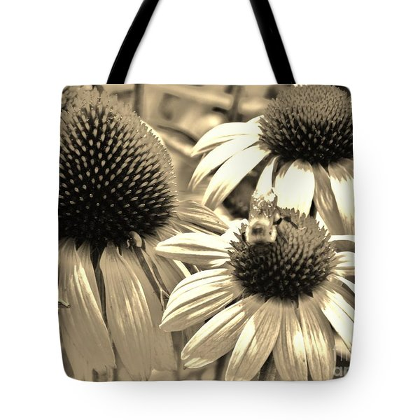 Tote Bag featuring the photograph ech by Robin Coaker