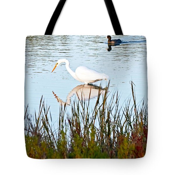 Tote Bag featuring the photograph Egret And Coot In Autumn by Kate Brown